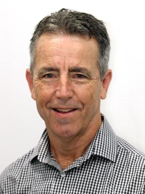 Dr Simon Leslie